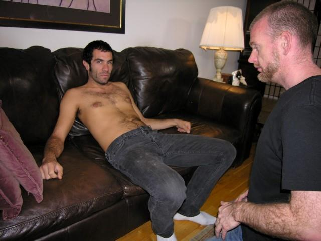 New-York-Straight-Men-Doug-Straight-Hairy-Guy-Getting-His-Cock-Sucked-By-Gay-Amateur-Gay-Porn-01.jpg