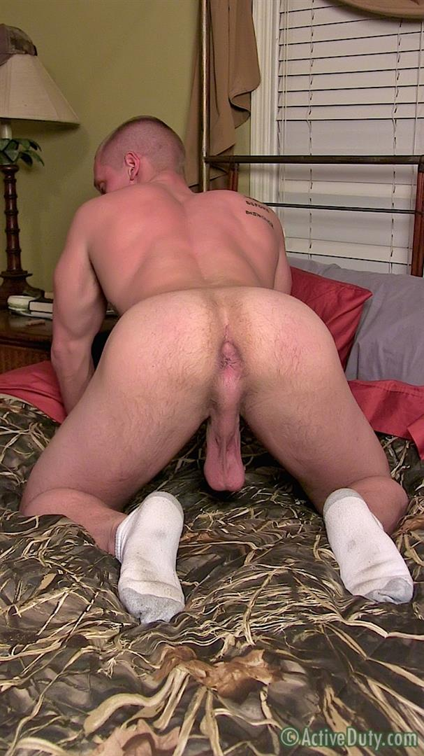 Active Duty Muscle Bi-Sexual Niko US Army Soldier Jerking His Big Cock  Amateur Gay Porn 10