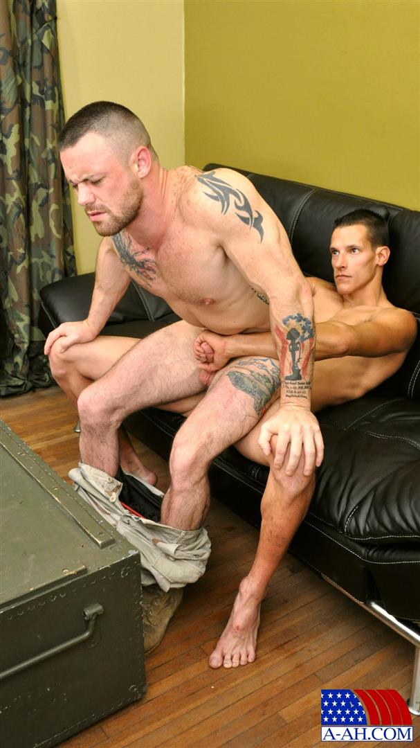 All American Heroes Navy Petty Officer Eddy fucking Army Sergeant Miles Big Uncut Cock Amateur Gay Porn 10