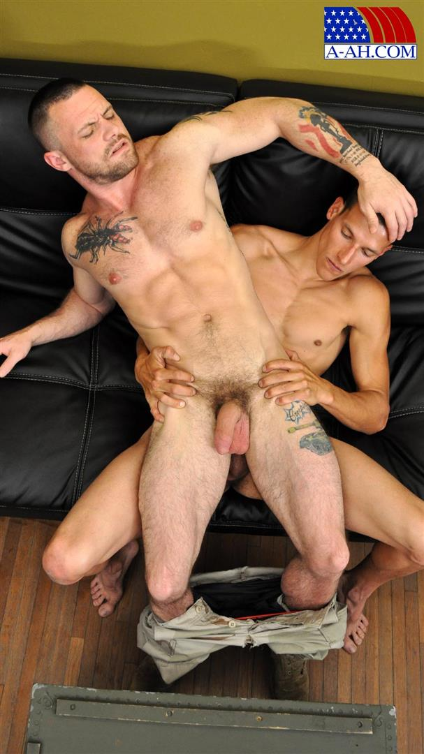 All American Heroes Navy Petty Officer Eddy fucking Army Sergeant Miles Big Uncut Cock Amateur Gay Porn 11