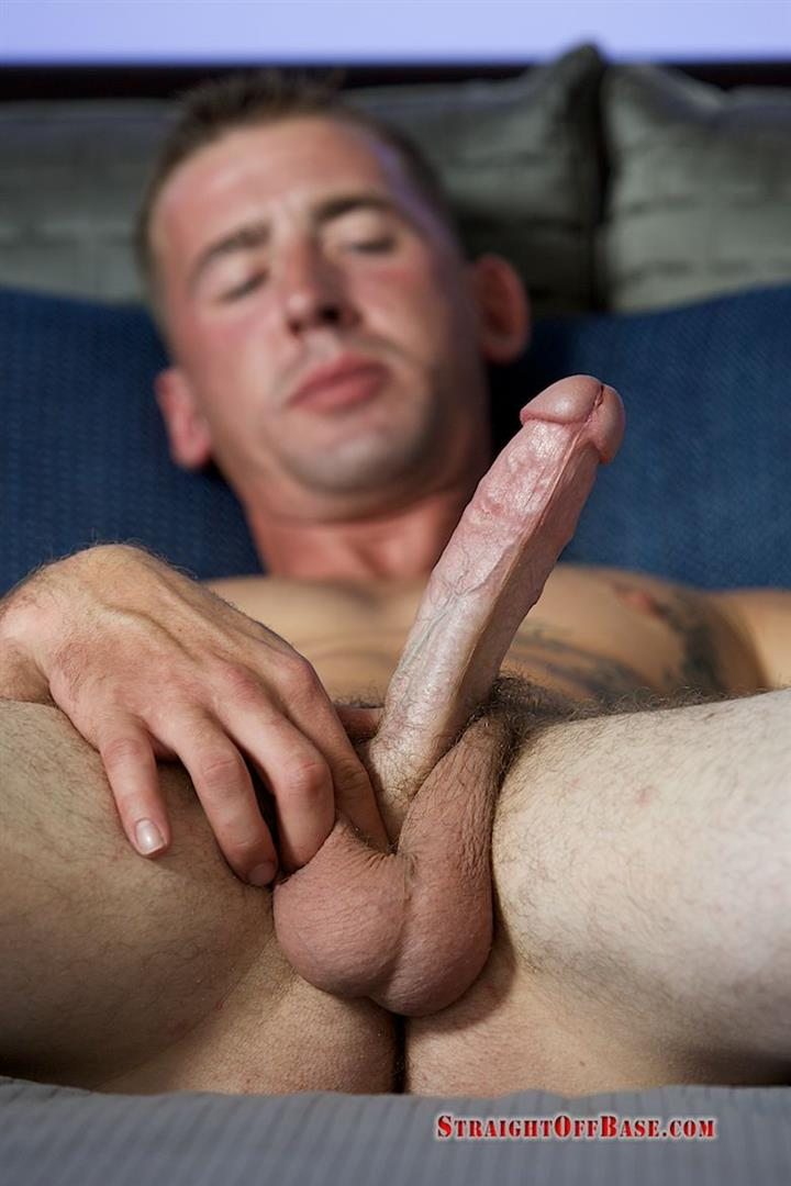 straight-off-base-naked-marine-jerking-off-dean-amateur-gay-porn-07